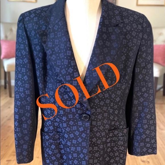 🎈SOLD🎈Christian Dior Embroidered Floral Blue Blazer!